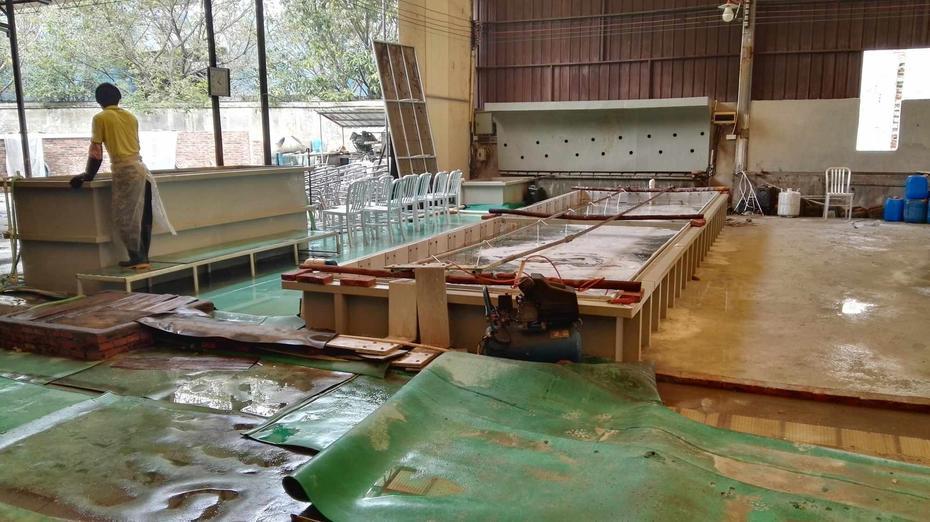 Anodizing pool
