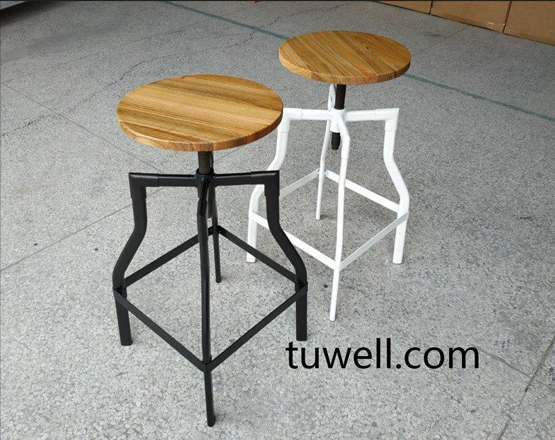 How to find barstool? what material of barstool is the best choosing?